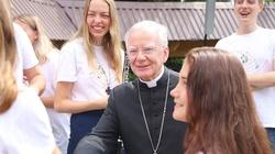 Abp Jędraszewski do młodych: tylko Chrystus ma być naszym nauczycielem i mistrzem - miniaturka