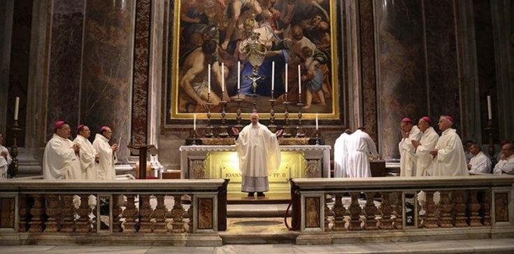 Episkopat odpowiada abp. Rysiowi: jeśli wielu gorszy sposób celebracji to trudno mówić o dobru Kościoła - zdjęcie