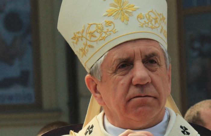 ,,Segregacja wiernych'' przed Komunią Świętą. Ważne słowa abp. Dzięgi! - zdjęcie