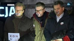 Tak kłamią! ,,Liczna'' demonstracja w obronie sędziów, a zdjęcie... ze świętowania mistrzostwa Polski - miniaturka