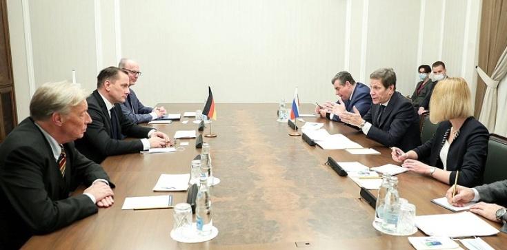 AfD w Moskwie. Kreml dyscyplinuje Merkel? - zdjęcie