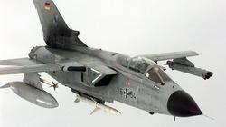 Samolot Luftwaffe zgubił zbiorniki z paliwem - miniaturka