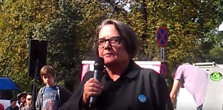 Agnieszka Holland znów na pierwszej linii frontu - znów walczy w ,,dusznej Polsce''! - zdjęcie