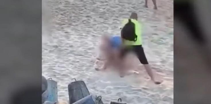 [Wideo] Mielno. Para uprawiała seks na plaży w biały dzień wśród turystów i dzieci - zdjęcie