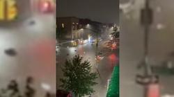 """Wideo. ''Nie wychodźcie na zewnątrz"""". Przerażające powodzie w USA - miniaturka"""