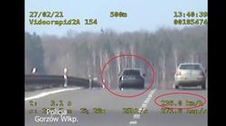 Jechał z prędkością 236 km/h. Takiej grzywny się nie spodziewał - miniaturka