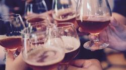 Pić czy nie pić? O. Jacek Salij o alkoholu i Bogu - miniaturka