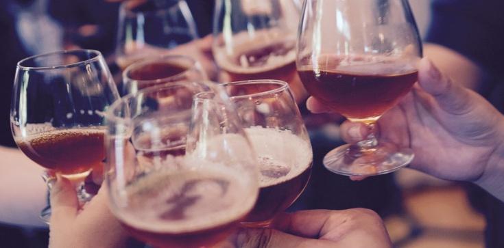 Pić czy nie pić? O. Jacek Salij o alkoholu i Bogu - zdjęcie