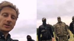 [Wideo] Kuriozalna kompromitacja i aberracja! Poseł Sterczewski zdziwiony, że żołnierze mają broń - miniaturka