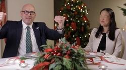 Amerykańscy dyplomaci próbują polskich dań wigilijnych i składają życzenia Polakom - ZOBACZ koniecznie! - miniaturka