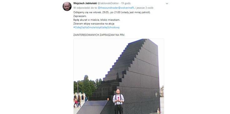 OHYDA! Politolog zachęca do ''odlania się'' na pomnik ofiar katastrofy smoleńskiej - zdjęcie