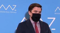 Rzecznik MZ: W Polsce jednak tylko jedno zakażenie wariantem Lambda - miniaturka