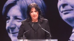 Anita Czerwińska dla Frondy: Krzyż i modlitwa doprowadza ich do furii - miniaturka
