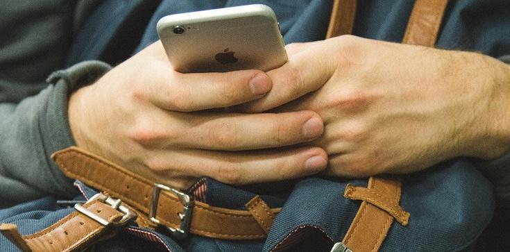 Ideologia gender w natarciu. Apple wprowadza neutralne płciowo emotikony - zdjęcie