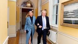 Tajny ślub brytyjskiego premiera. Kim jest kolejna żona Borisa Johnsona? - miniaturka