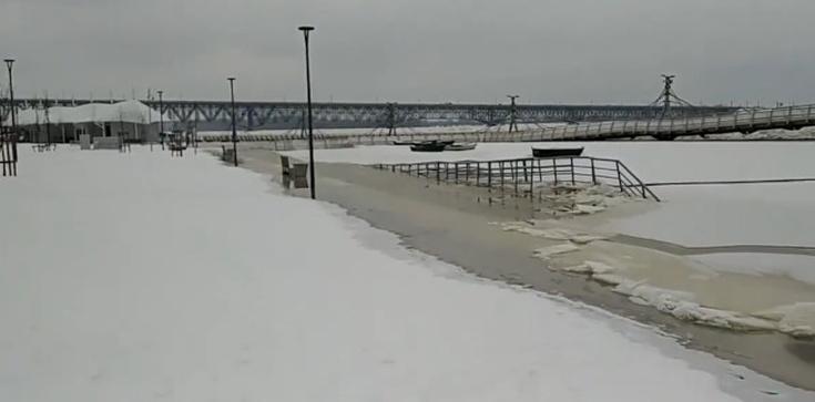 Mieszkańcy Płocka ewakuowani. Coraz poważniejsze ryzyko powodzi - zdjęcie
