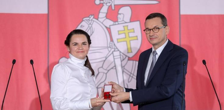 Premier: Przekazujemy Białorusinom naszą tradycję walki o wolność  - zdjęcie