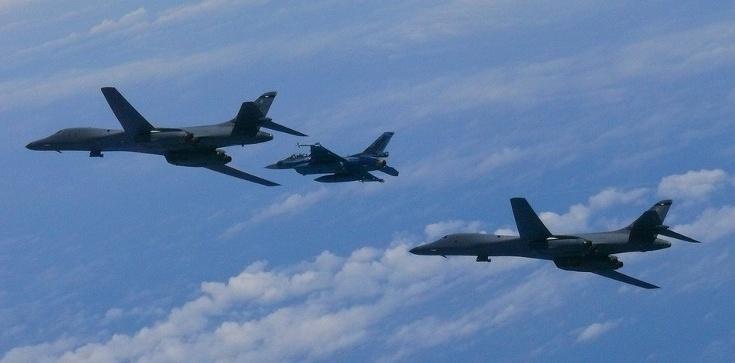 Bombowce USA nad wybrzeżem Korei Północnej! - zdjęcie