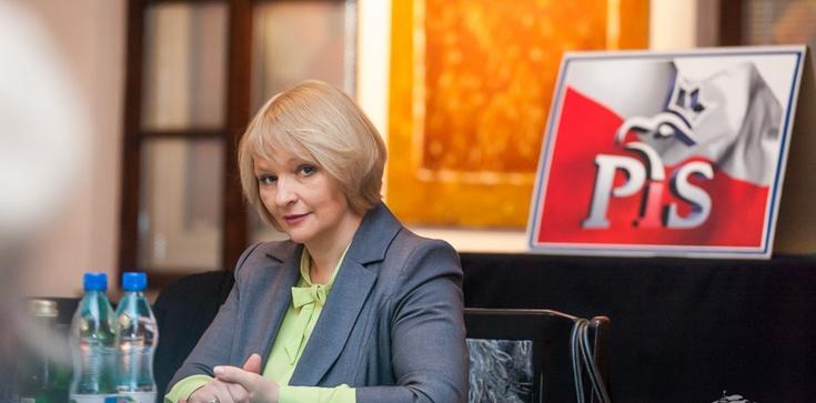 """Barbara Bartuś dla Frondy: PiSowi nie potrzeba żadnej """"zasłony dymnej"""" - zdjęcie"""