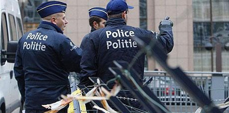 Belgijski nauczyciel ujawnił: Muzułmańscy uczniowie wiwatowali po zamachach. Zaraz miał na karku policję! Ot, polityczna poprawność! - zdjęcie