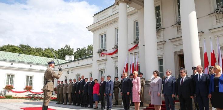 Prezydent wręczył nowe nominacje generalskie - zdjęcie