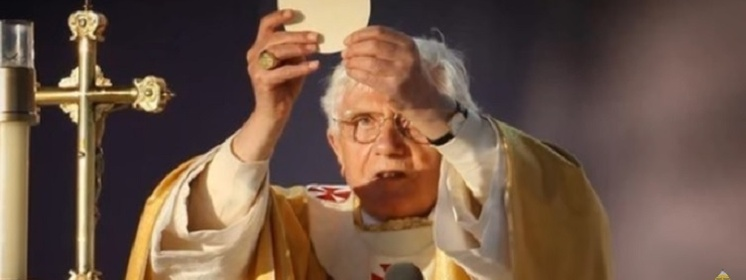 Benedykt XVI: Brak sacrum zubaża kulturę