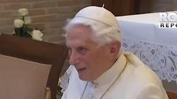 Benedykt XVI mam problemy z mówieniem: Pan wziął ode mnie słowo, bym docenił ciszę - miniaturka