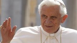 Benedykt XVI: Duch Święty prowadzi nas ku wyżynom Boga - miniaturka