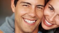 Chcesz naturalnie wybielić sobie zęby ZOBACZ JAK! - miniaturka