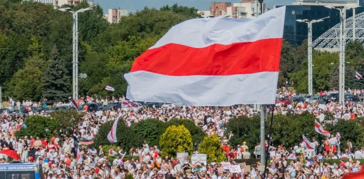 Polacy zgodni: Trzeba wspierać demokratyczne dążenia Białorusinów - zdjęcie