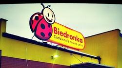 ,,Charytatywne'' sieci handlowe w Polsce. Tylko Biedronka i Rossmann płacą podatki - miniaturka