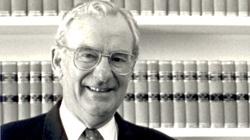 85-letni ateista, czołowy polityk Australii, nawrócił się - miniaturka