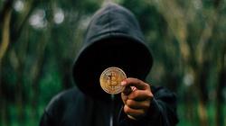 Straciła prawie 300 tys. zł oszukana na inwestycjach w kryptowaluty - miniaturka
