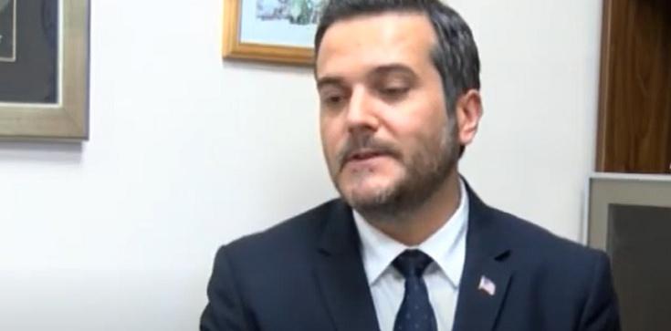 Bix Aliu broni TVN. Ostre reakcje internautów, dziennikarzy i polityków - zdjęcie