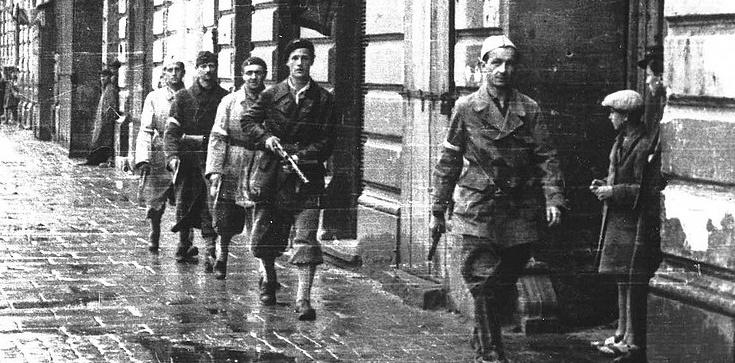 76 rocznica wybuchu Powstania Warszawskiego to moment refleksji oraz hołdu oddanego ofiarom  - zdjęcie