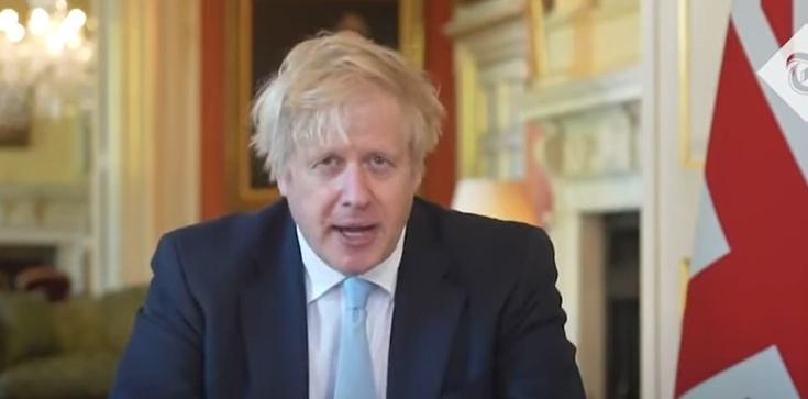 Rząd UK zawyżał liczbę zakażonych koronawirusem?  - zdjęcie