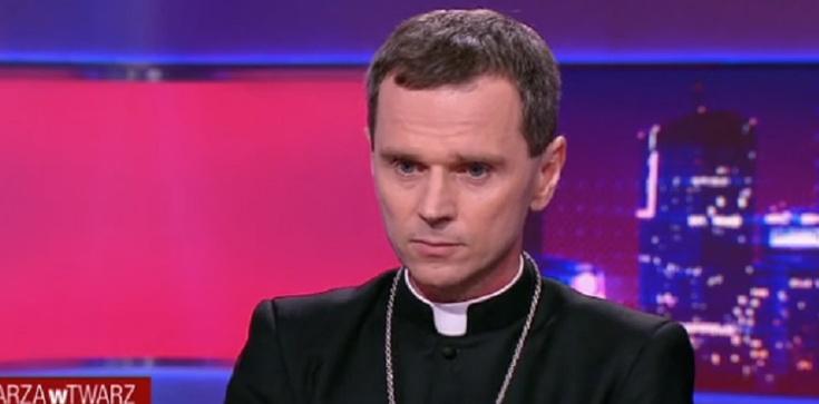 Bp Mirosław Milewski mocno o kryzysie życia zakonnego - zdjęcie