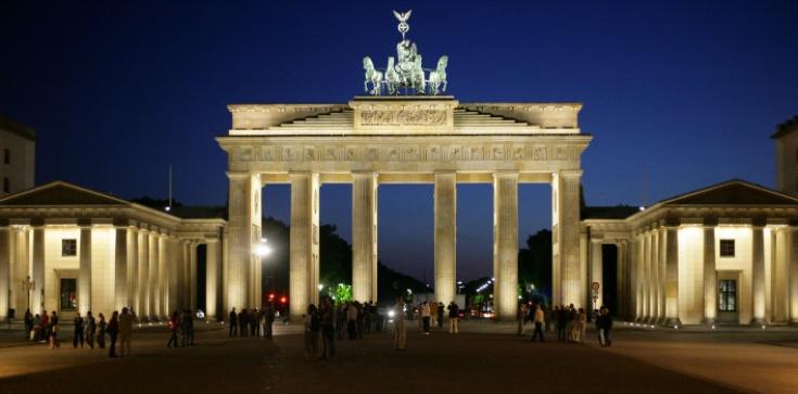 Jest aż tak źle? Sylwester w Berlinie: Powstają specjalne strefy bezpieczeństwa dla kobiet - zdjęcie