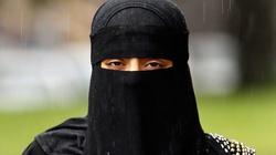 Saudyjki: wolne tylko w sieci - miniaturka