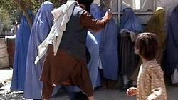 Kobieta pobita za brak chusty. Nie w Arabii - w Austrii - miniaturka