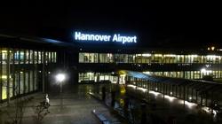 Hanower: BMW wjechało na płytę lotniska. Kierował Polak? - miniaturka