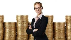 Coraz więcej kobiet ma wpływ na watykańskie finanse - miniaturka