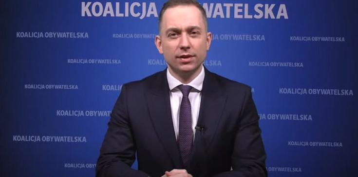 Tomczyk w stylu ,,Soku z Buraka'': TVP ma więcej wspólnego z domem publicznym niż z telewizją publiczną - zdjęcie