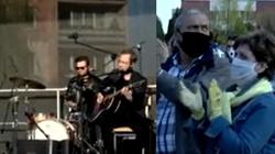 Prokuratura i policja zajmują się koncertem w Ciechanowie. Koncert w czasie epidemii organizuje prezydent z PSL - miniaturka