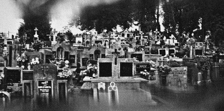 W jakim celu nasze ciała powstaną z grobów? - zdjęcie