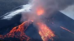[Wideo] Kanaryjski wulkan Cumbre Vieja ciągle aktywny. Zniszczeń przybywa - miniaturka
