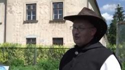 Uprawiają ziemię, hodują zwierzęta. Polscy cystersi żyją jak ich bracia przed wiekami  - miniaturka
