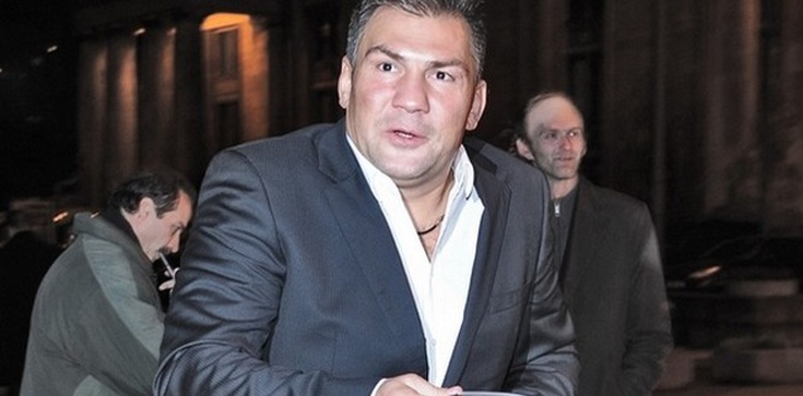Tęczowy bokser w drużynie Komorowskiego - zdjęcie
