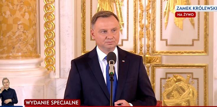 Prezydent objął przewodnictwo w kapitułach najwyższych odznaczeń  - zdjęcie