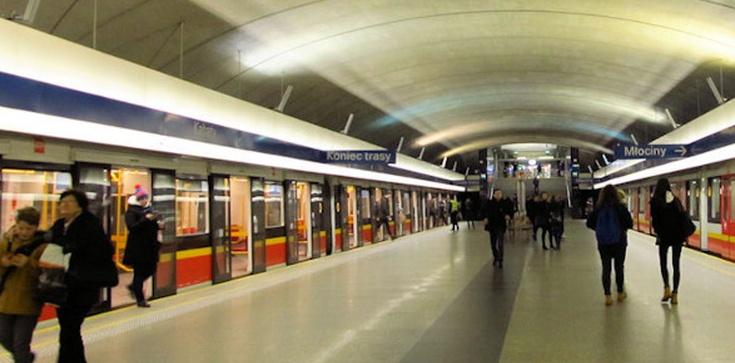Wypadek w warszawskim metrze. Zginął młody mężczyzna   - zdjęcie